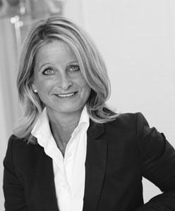 Astrid Dehn, Prokuristin, Head of Business Administration u. HR